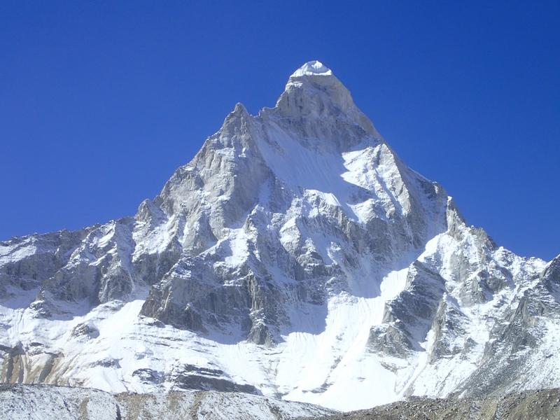 Shivling mistical Mountain India near Gomukh